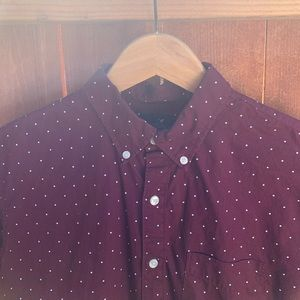American Eagle Dotted Button Up Shirt